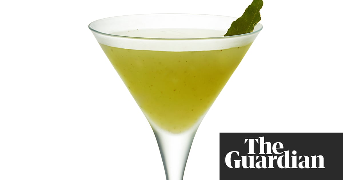 Cocktail Of The Week: A Green Spice Martini Recipe photo