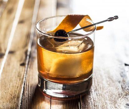 A Guide To The Perfect Old Fashioned Ingredients photo