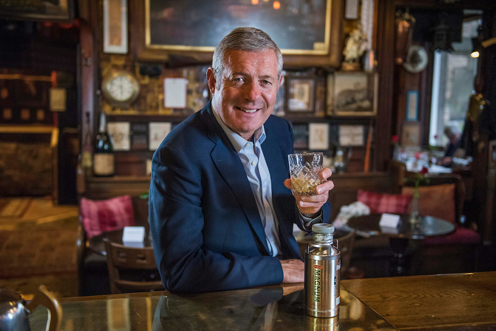 Rugby Legend Is New Face Of Scotch Cream Liqueur photo