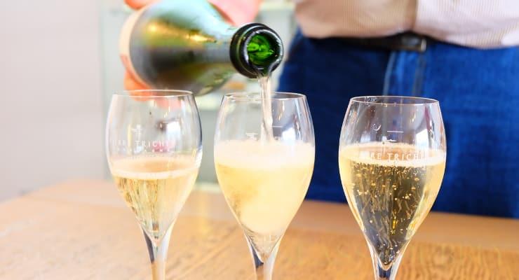 Essentials For Hosting A Good Sparkling Wine Tasting Event photo