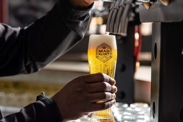Mad Giant Beer LR 11 Champion award spurs Jozi brewer to tackle single use plastic