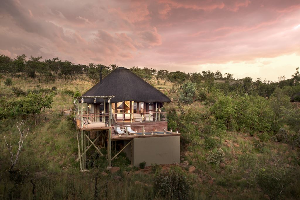 Mhondoro Voted Best Safari Retreat In The World photo