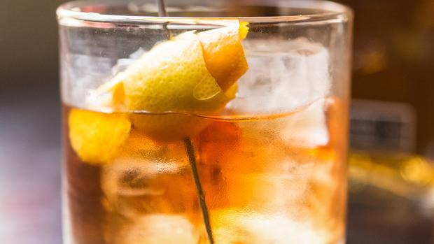 How To Make A Good Ol' Old Fashioned Cocktail photo