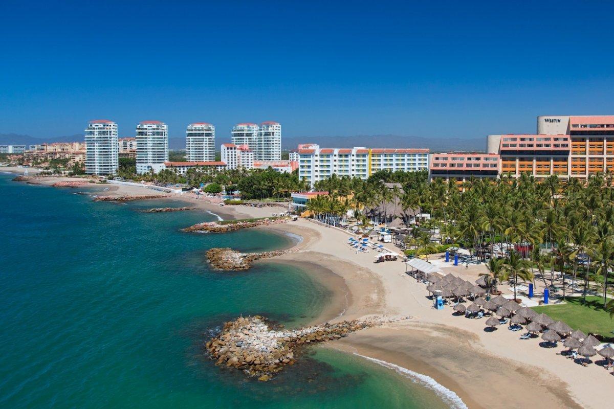 Puerto Vallarta, Una Ciudad Comprometida  Con El Turismo photo
