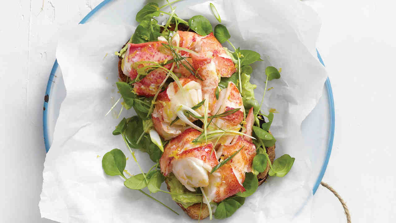 how to break down a lobster horiz 5 Summer Salads with the beachhouse wines that will blow your guests away
