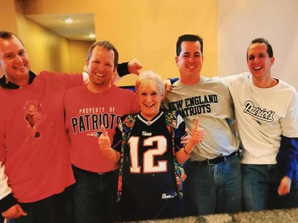 Family Pays Tribute To Budweiser-swilling Mom Who Loved Her Family More Than Anything ? Except The Red Sox And Patriots photo