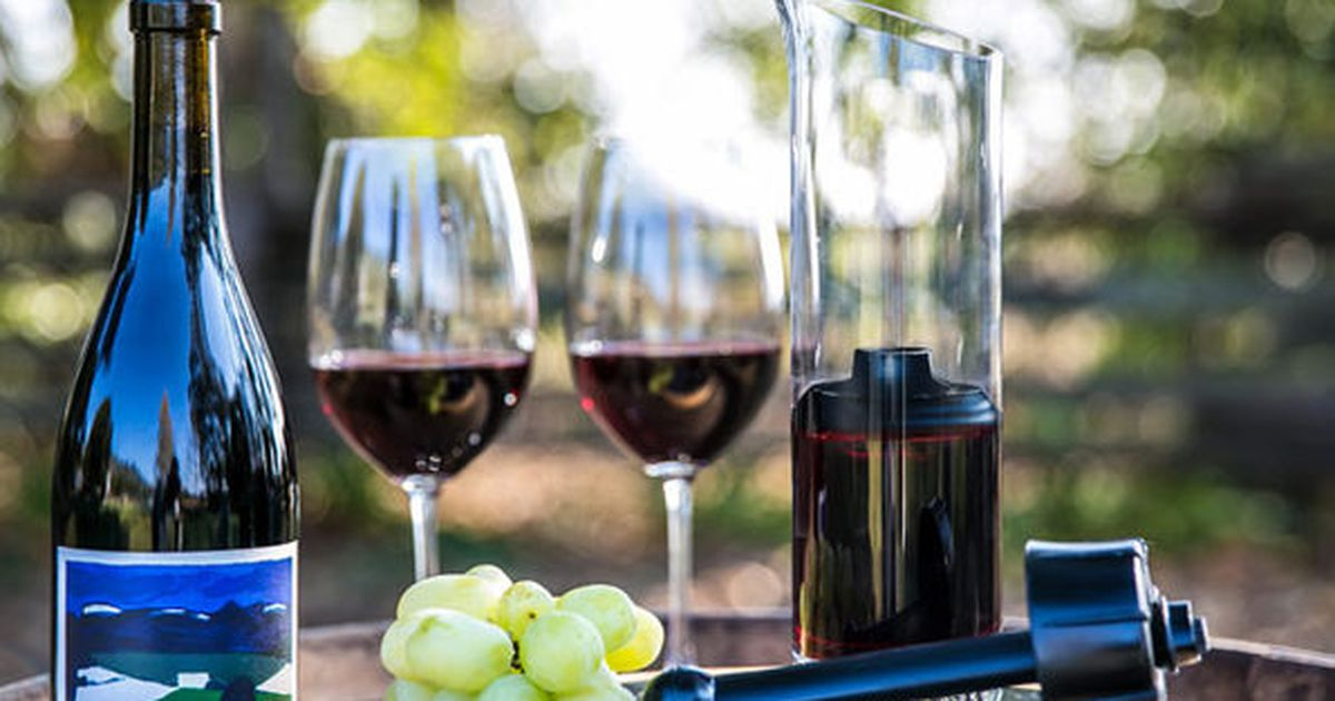 Know Someone Who Loves Wine? Get Them This Gadget. photo