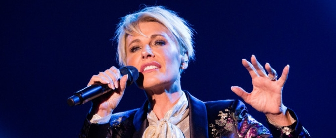 Dana Winner Comes To South Africa As Special Guest Artist For Christmas Spectacular/ Kersfees Skouspel photo