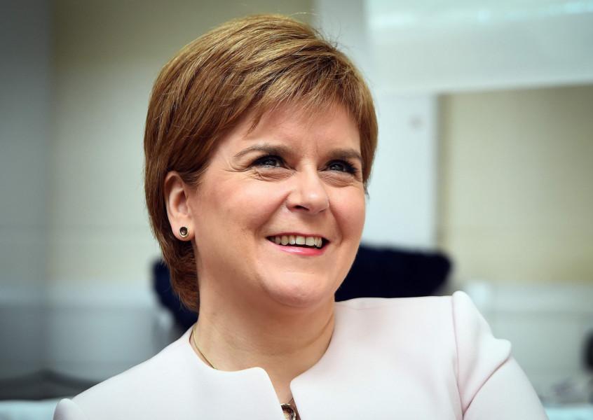 Nicola Sturgeon Targets Skye Jibe Tory Mp With Island Gin Gift Tweet photo