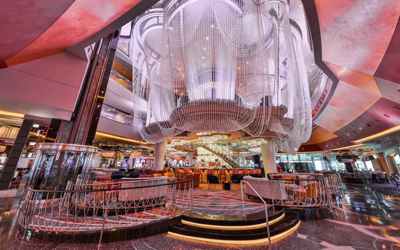 chandelier bar 4 Las Vegas Bars To Add To Your Bucket List