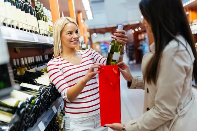 Third Of Britons 're-gift' Wines At Christmas photo