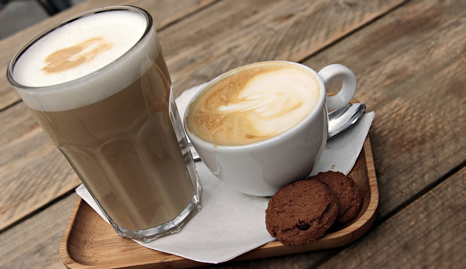 latte macchiato 3669136 960 720 The Best Drinks To Enjoy With Your IQOS Device