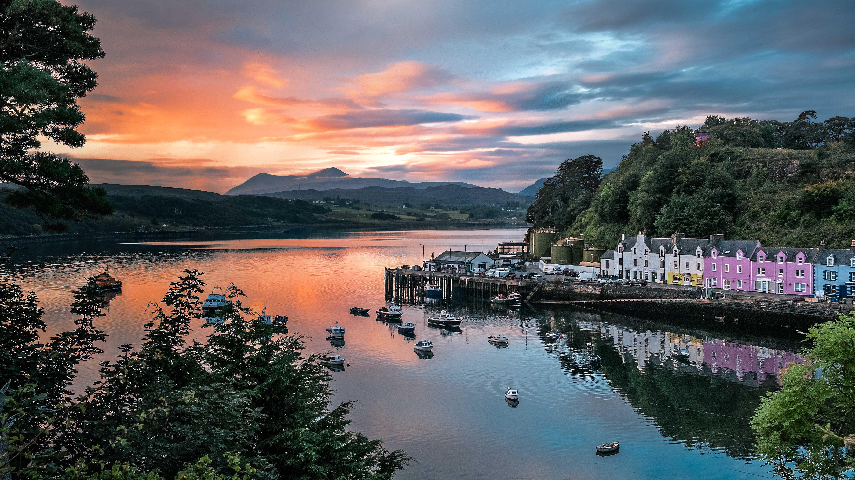 Dawn Breaks On Skye's First Vodka photo