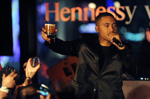 nas hennessy toast 2016 billboard 650 Hennessy Cognac   The Reasons Behind Its Award Winning Status