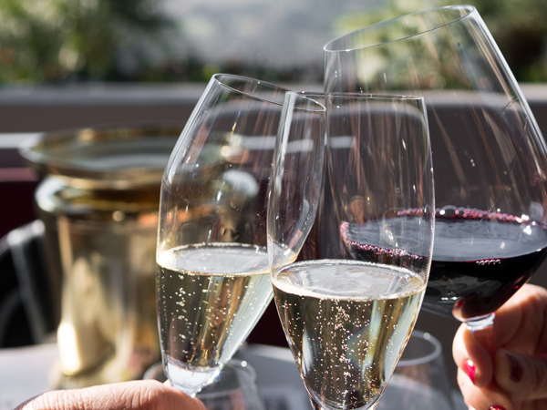 Eating Out Hacks: How To Go From Amateur To Wine Expert photo