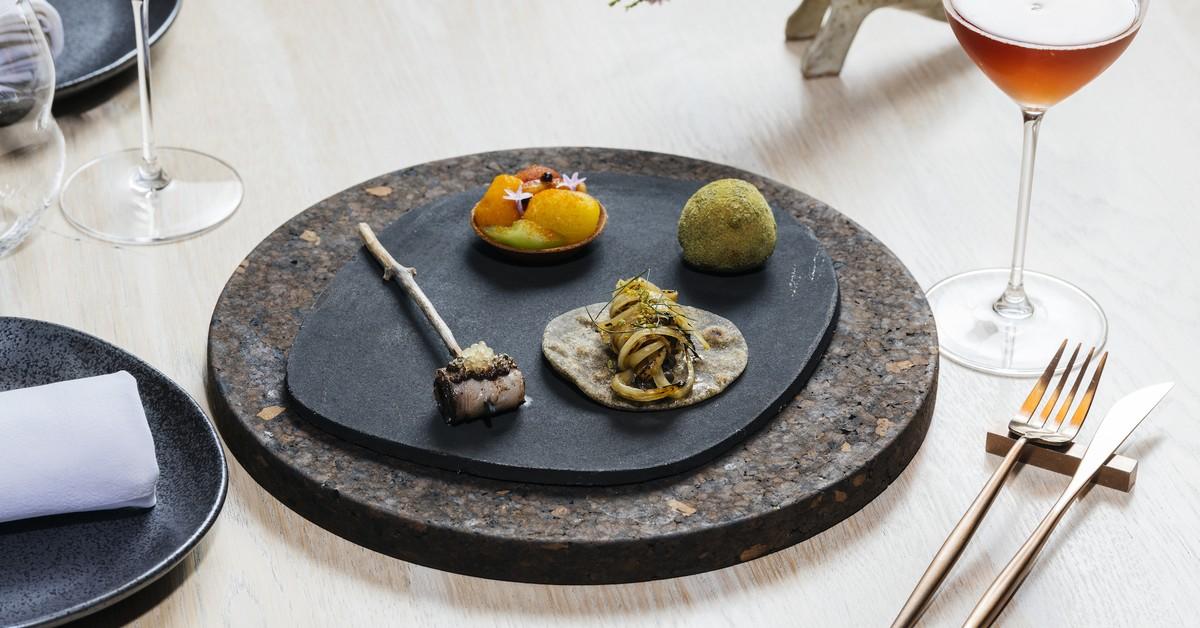 Experimental Fine Diner Lûmé's Dramatic Transformation photo
