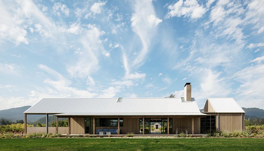 Napa Valley House Blends Modern Design With Farmhouse Vernacular photo