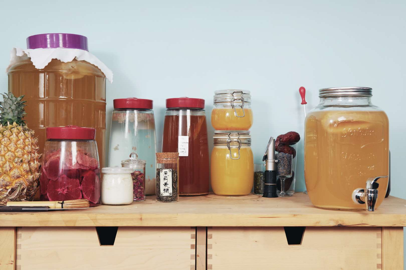 How To Make Kombucha And Use It In Your Cocktails photo