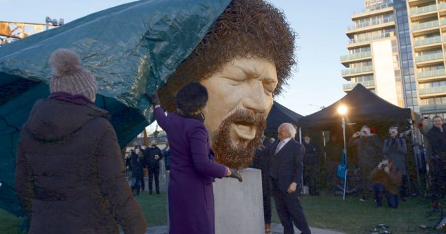 President Higgins Pays Tribute To Luke Kelly As Two Statues Unveiled In Dublin photo