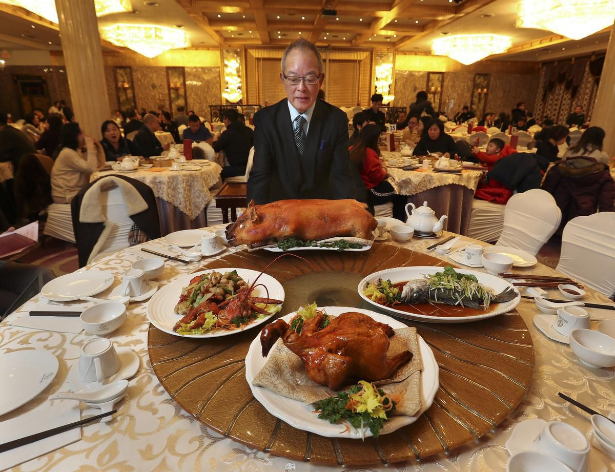How To Plan A New Year's Feast At A Chinese Banquet Hall photo
