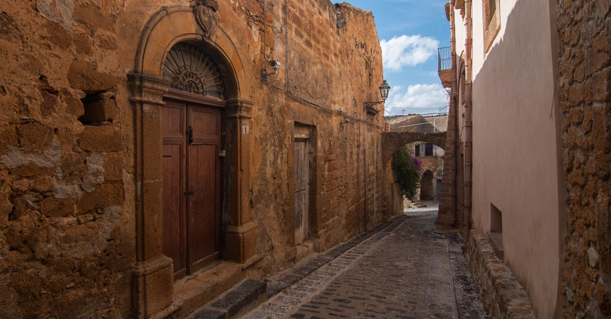 You Can Buy A Villa In This Wine-producing Sicilian Town For Just $1 photo