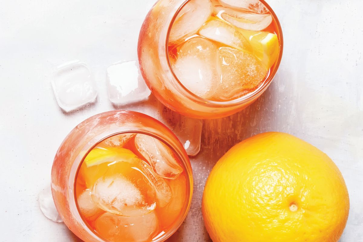 Today's Hot Party Drink: The Aperol Spritz photo