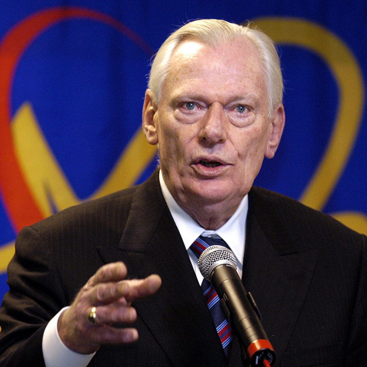 The Founder Of Southwest Airlines, Herb Kelleher, Has Died photo