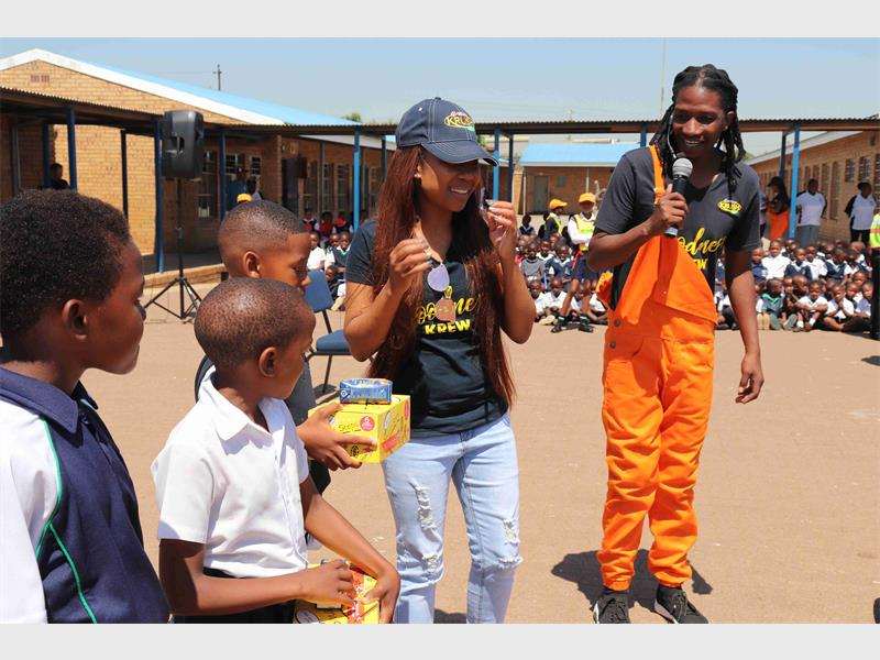 1 600 Pairs Of School Shoes Donated At James Nkosi Primary School photo