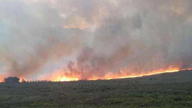 Blaze In Franschhoek Mountains Poses Threat To Town photo