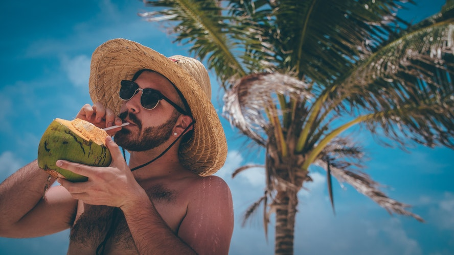 5 Hangover-Inducing Drinks To Avoid When Day-Drinking photo