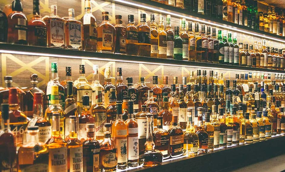50 Best Whiskey Brands In The World You Need To Try At Least Once In Your Life photo