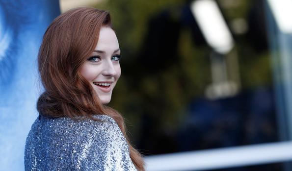 Watch: 'game Of Thrones' Star Sophie Turner Chugs Wine While Crowd Cheers photo
