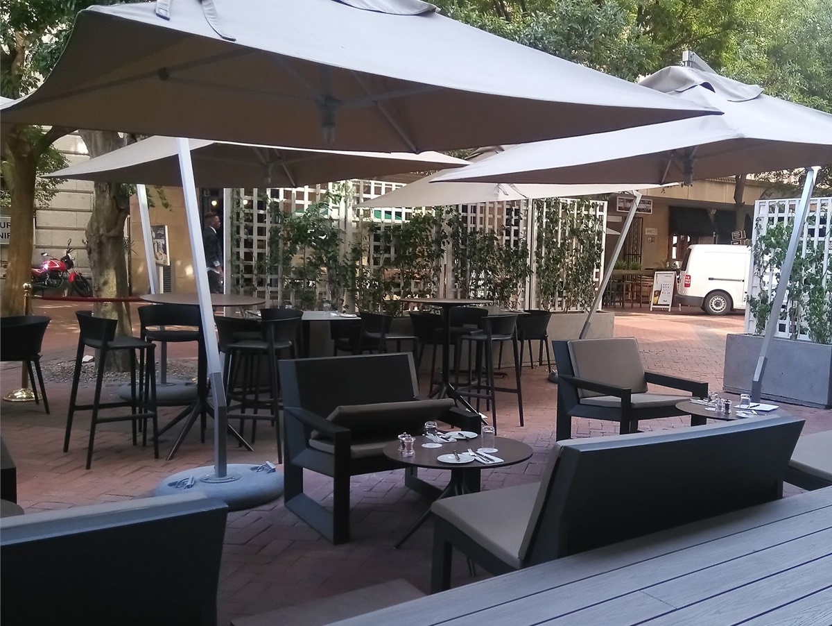 Mint Shows Off It's Fresh, New Terrace photo