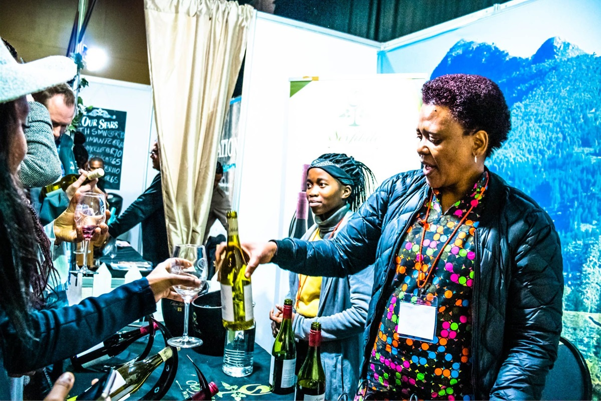 Tops At Spar Wine Show To Go On A 7-city Nationwide Tour photo