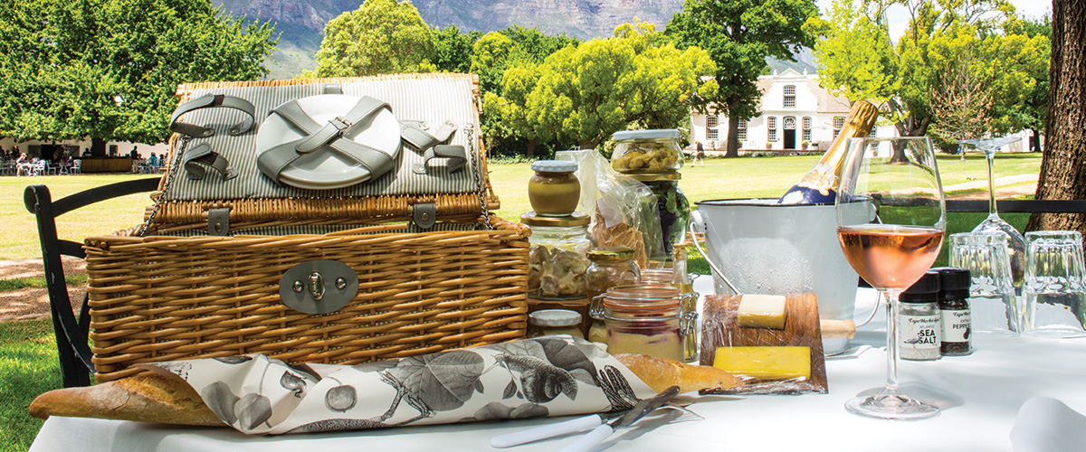 Perfect pairings for your afternoon picnic photo