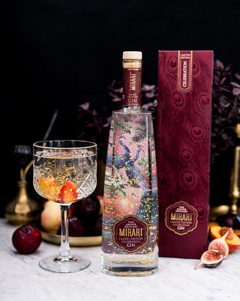 Time Anchor Launches 23-Carat Gold Gin photo