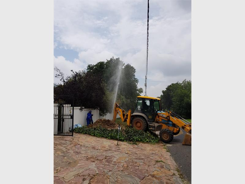 Resident Demands Joburg Water To Fix Their Mess photo