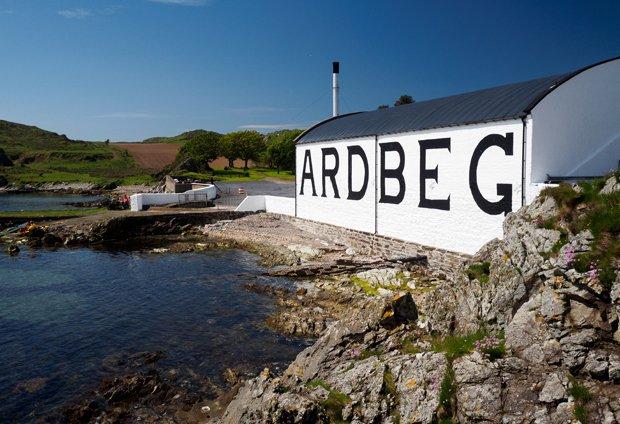 Whisky Distilleries You Should Visit On Scotland's West Coast Islands photo