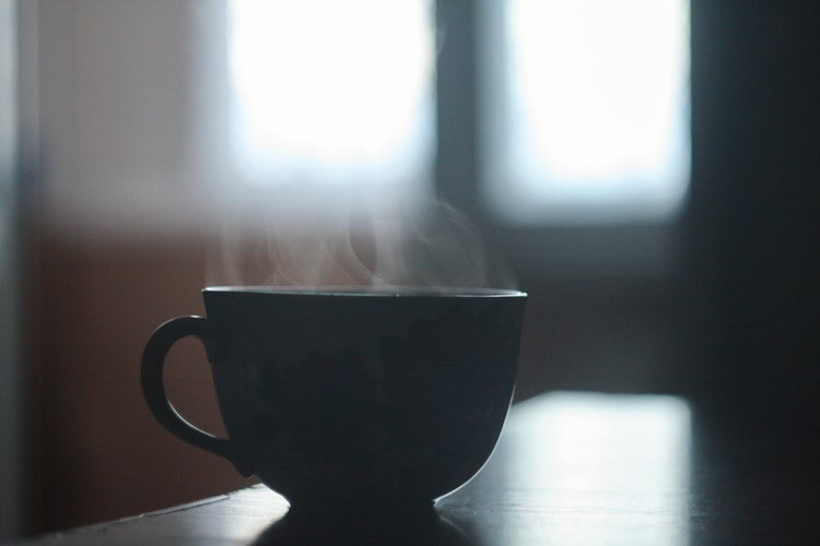 Drinking very hot tea almost doubles risk of cancer photo