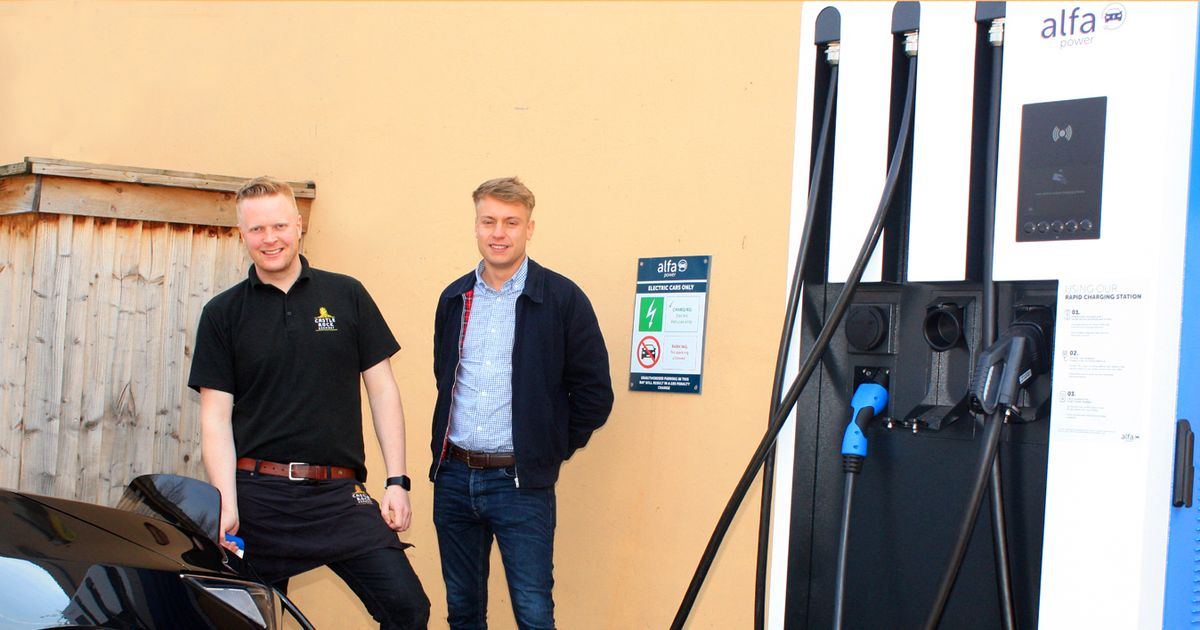 Nottingham Brewery Installs Electric Car Charging Points At Pubs photo