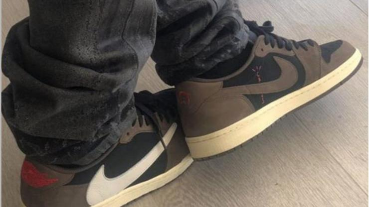 Travis Scott X Air Jordan 1 Low Rumored For September: On-foot Images photo