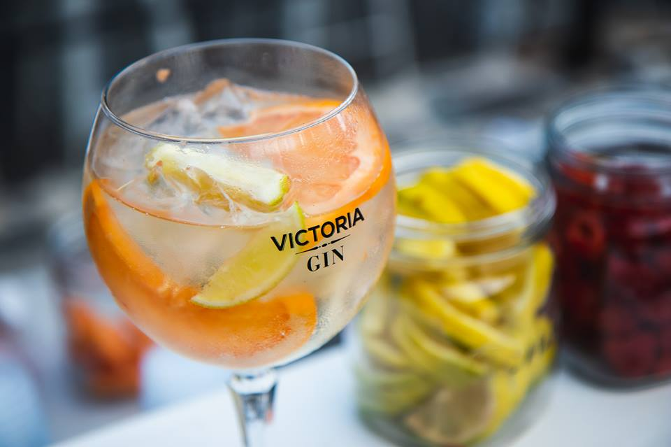 Choose between 5 gins, tapas or a mix of both photo