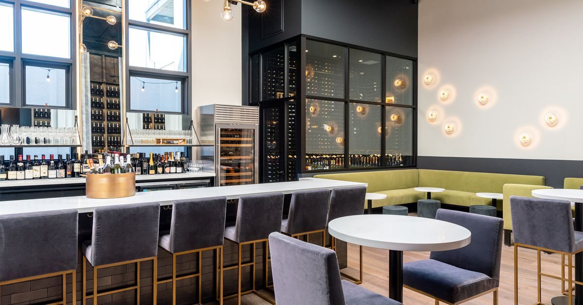 New Wine Bar Emphasizes Value And Complimentary Bubbles In Burlingame photo