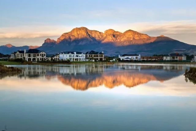 How Much It Costs To Live In The 10 Best Cape Country Estates photo