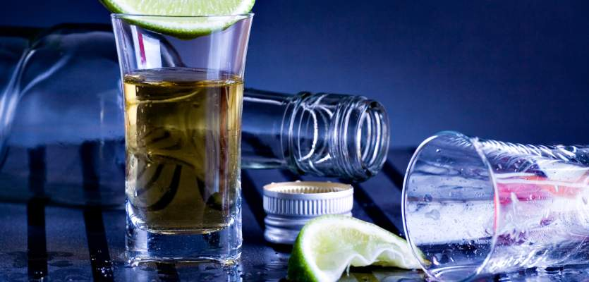 Bartending Fails: Your Biggest Pet Peeves Behind The Stick photo