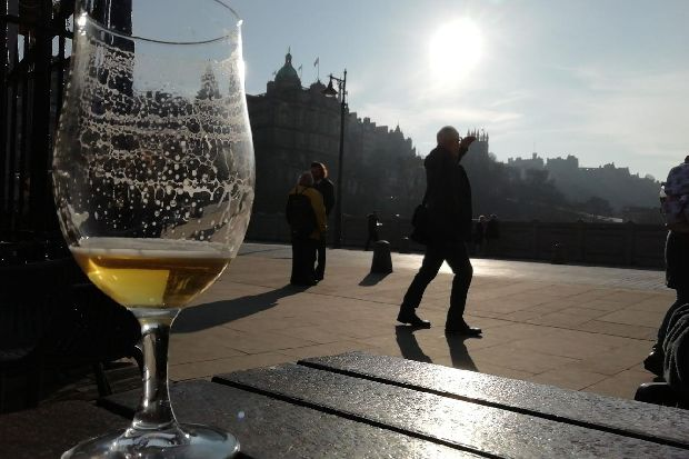 10 Of The Best Beer Gardens In Edinburgh For Drinks In The Sunshine photo