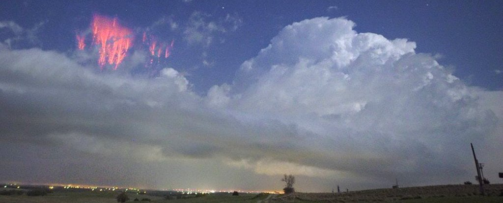 Eerie Photos Capture Glowing Red 'sprites' Lighting Up The Sky In Oklahoma photo