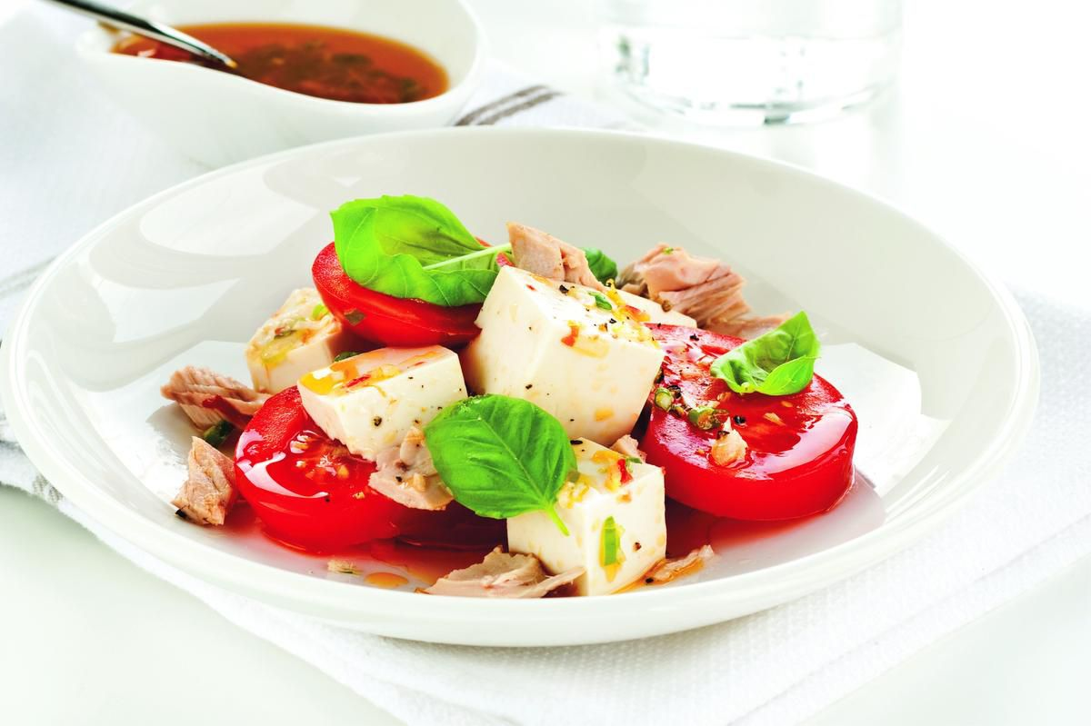 Marinade In The Morning To Enjoy This Caprese Salad For Dinner photo