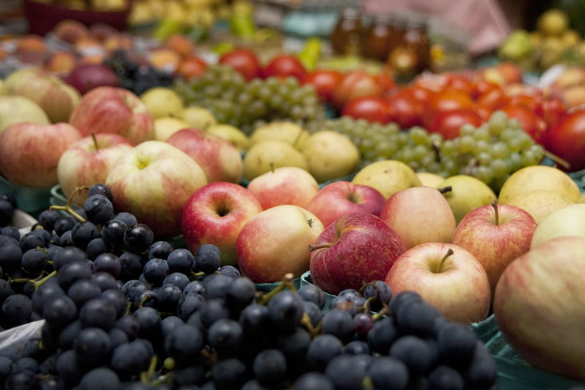 Less Fat, More Fruit May Cut Risk Of Dying Of Breast Cancer photo
