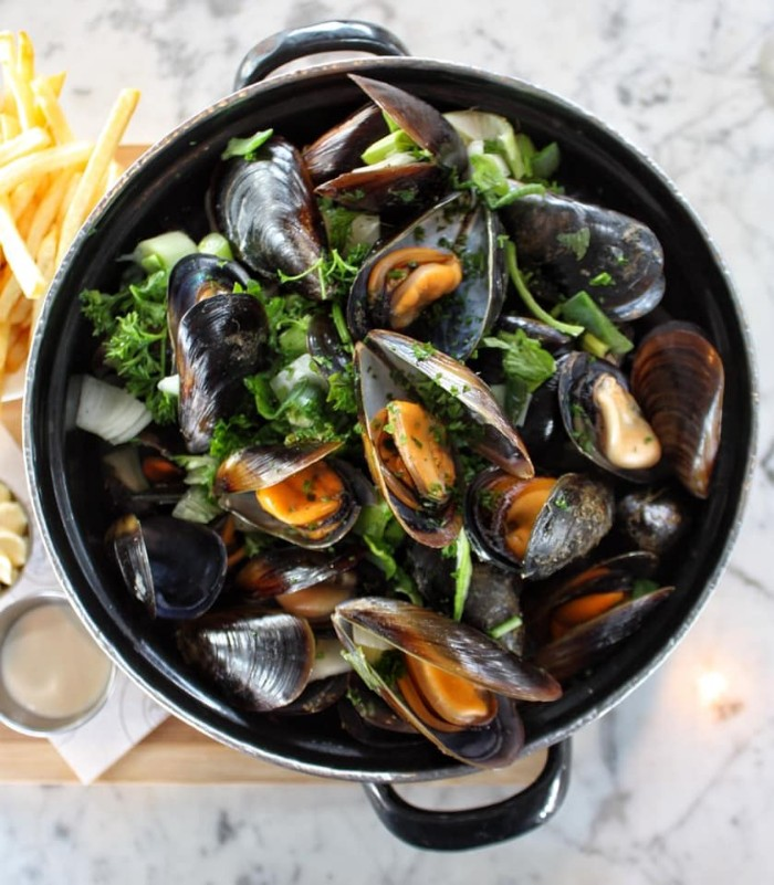 Mussel Bowl and Duvel Beer photo